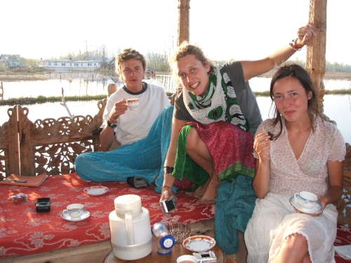 tea on daal lake